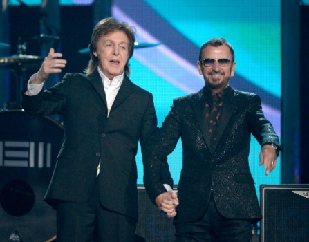 Paul McCartney & Ringo Star on stage together while playin song Queenie Eye from McCartney's album - New. Ringo Starr also performed 'Photograph'