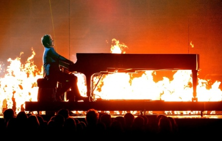 Pianist Lang Lang performing with Metallica.