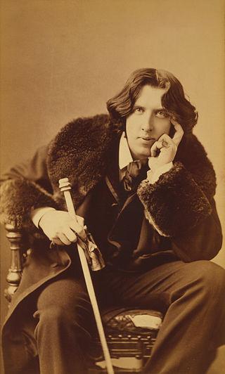 Oscar_Wilde_portrait_by_Napoleon_Sarony_-_albumen